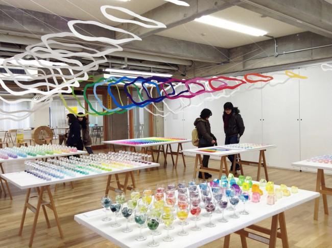 21_emmanuelle_moureaux_100colors_lab_exhibition